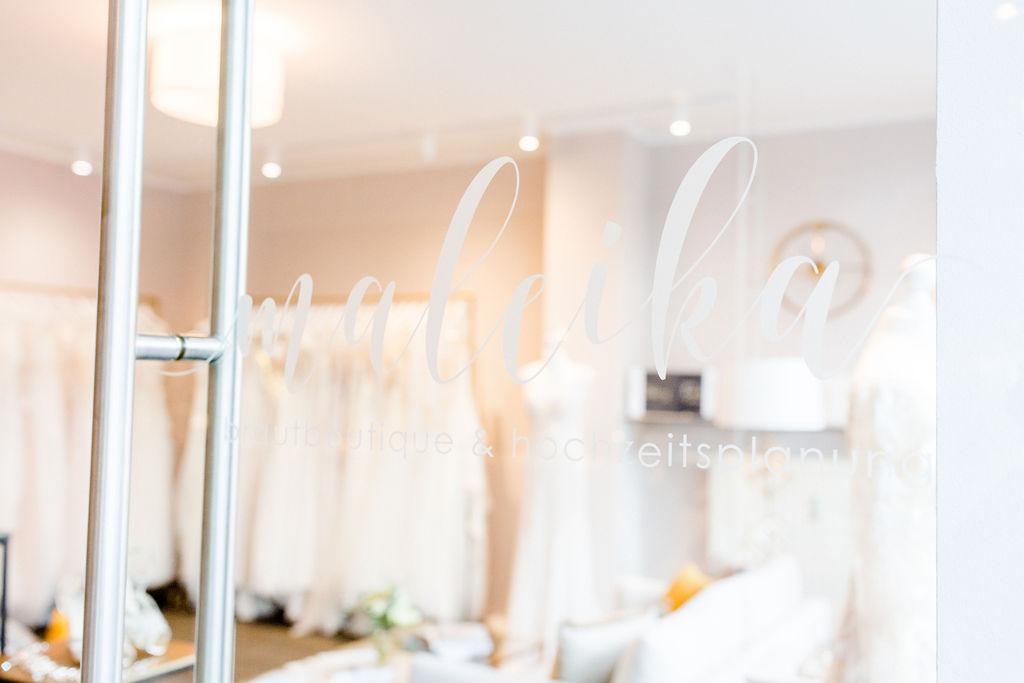 Maleika Braut Boutique Eingang Tür