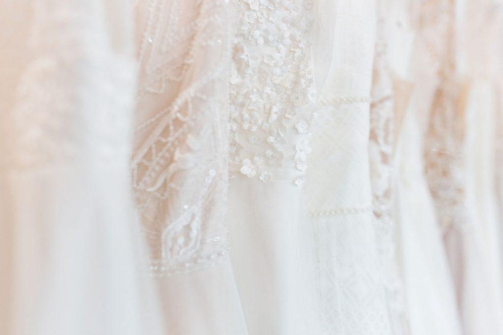Maleika Braut Boutique Hochzeitskleid nah